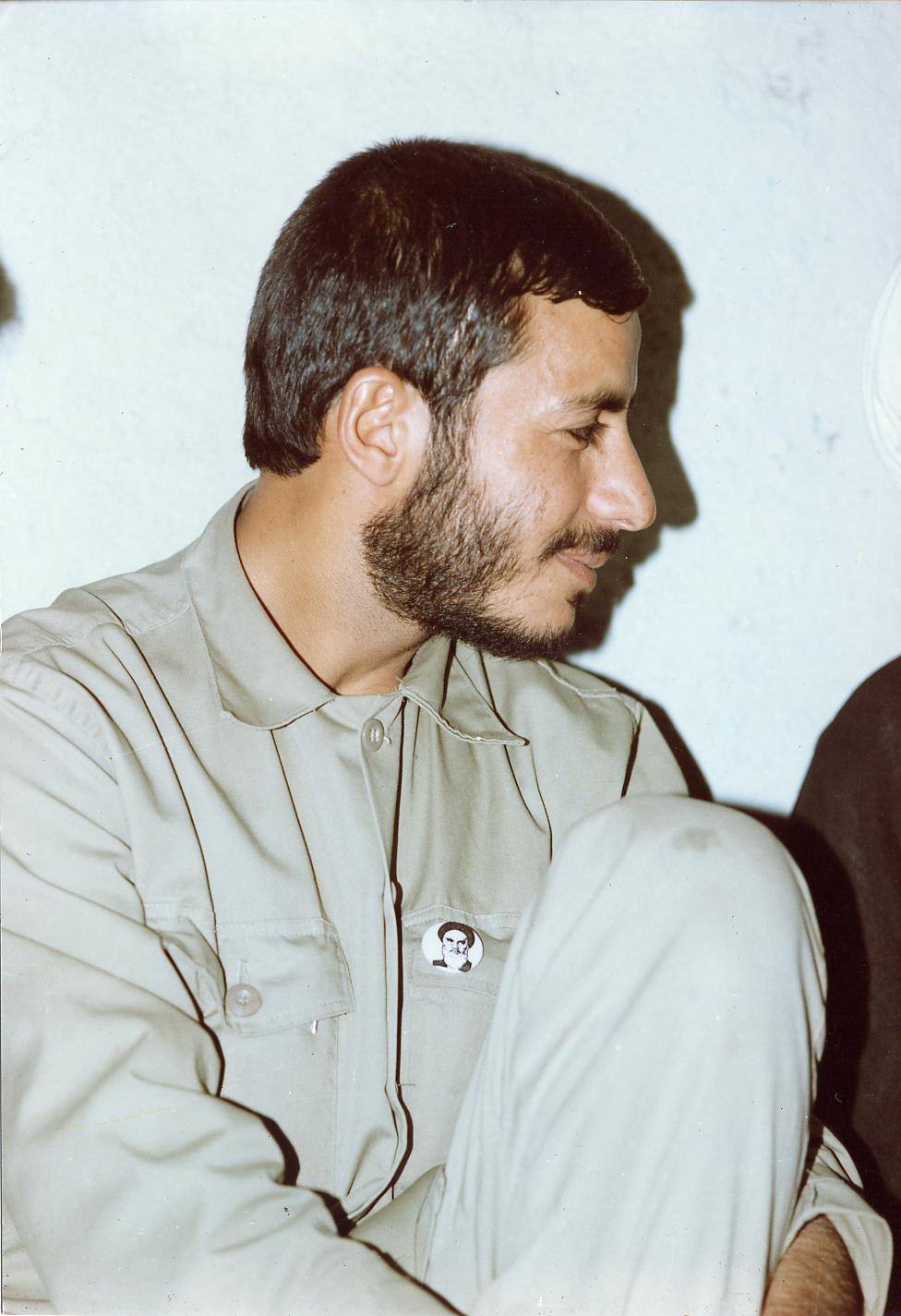 http://dl.aviny.com/Album/defa-moghadas/Shakhes/Hemmat/kamel/16.jpg