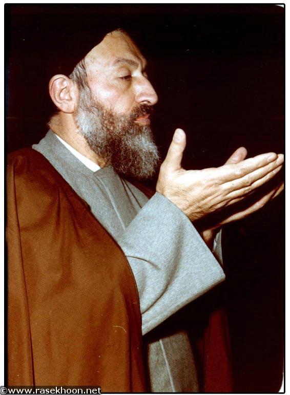 http://dl.aviny.com/Album/enqelabeslami/bozorgan/Beheshti/Kamel/03.jpg
